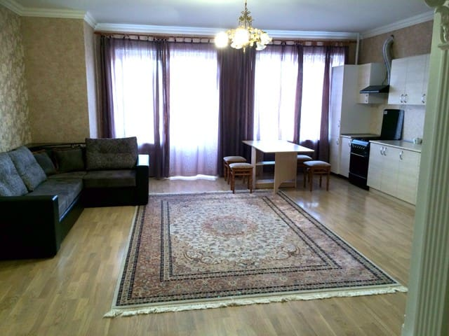 Квартира посуточно на Пятигорской 24/7 - Essentuki - Lägenhet