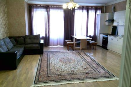 Квартира посуточно на Пятигорской 24/7 - Essentuki - Apartment