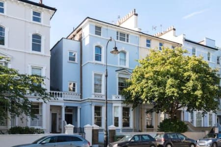 Primrose Hill Bolt Hole - London - Apartment