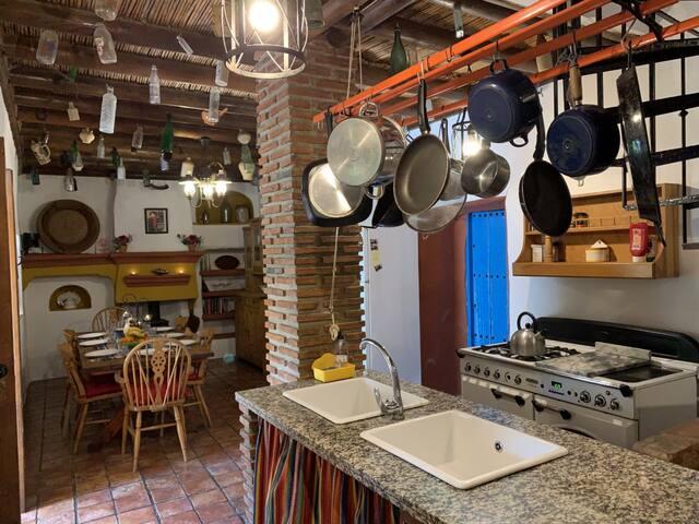 Lemon Grove Dining Room/Kitchen