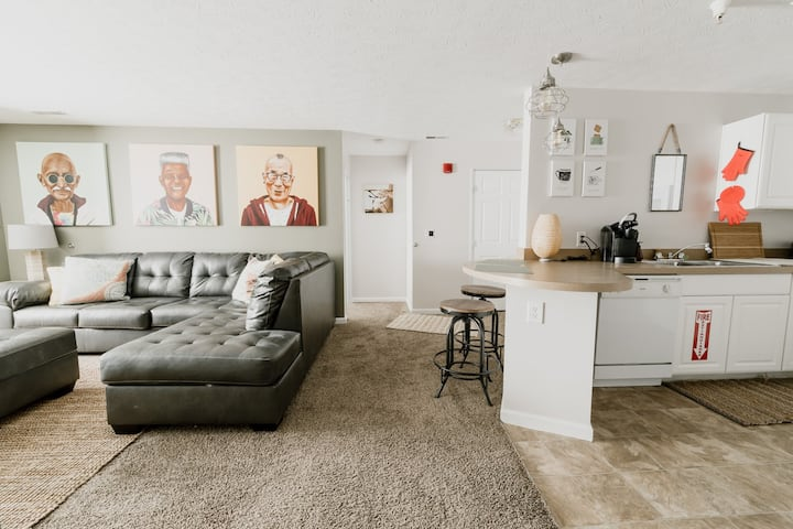 Medical/Professional Upscale Stay w/ Maid Service