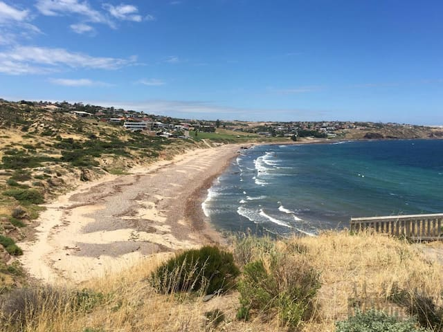 Hallett Cove Seaside Escape 1