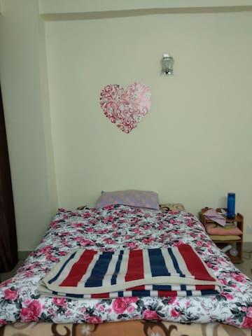 Luxury home+peaceful bedroom+2 wheeler on rent