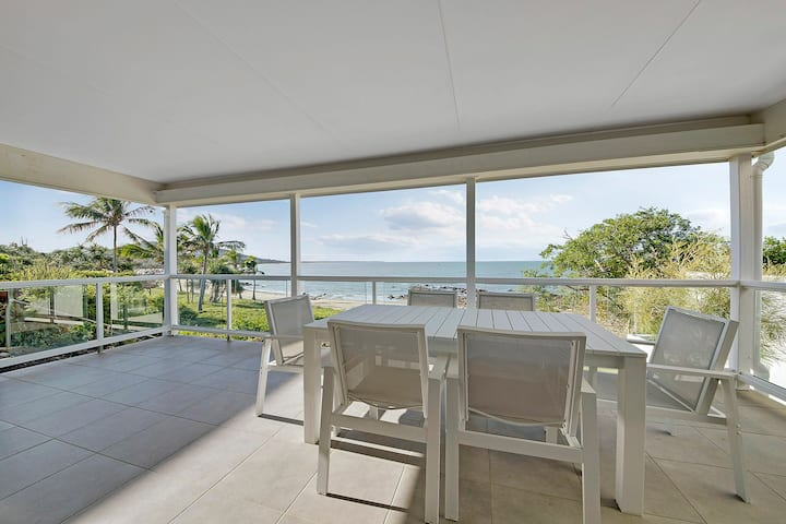 PERFECT FAMILY LOCATION – BEACH SIDE RETREAT!