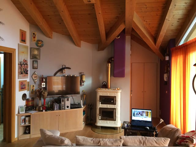 bright and cozy attic - Sardagna - Apartment