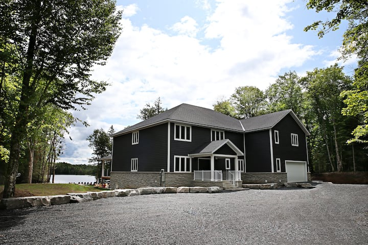 Large  Muskoka Waterfront Cottage Newly Built 2019