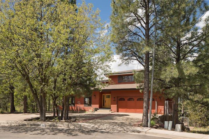 The Downtown Ponderosa Lodge