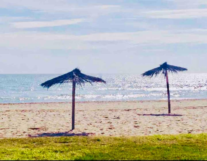 NICE HOUSE IN GAVA, 1 min walk from the beach