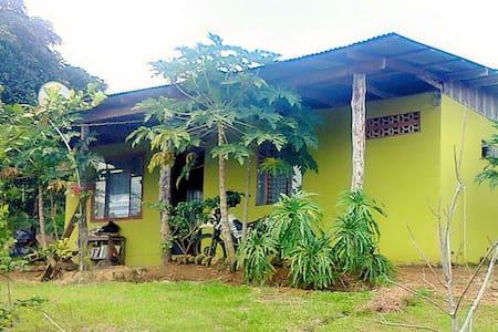 Rancho Margoth Rio Celeste *Hab La Paz* - Alajuela - 独立屋