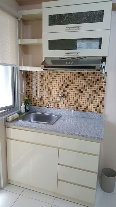 Kitchen set available, including sink, portable gas stove, etc