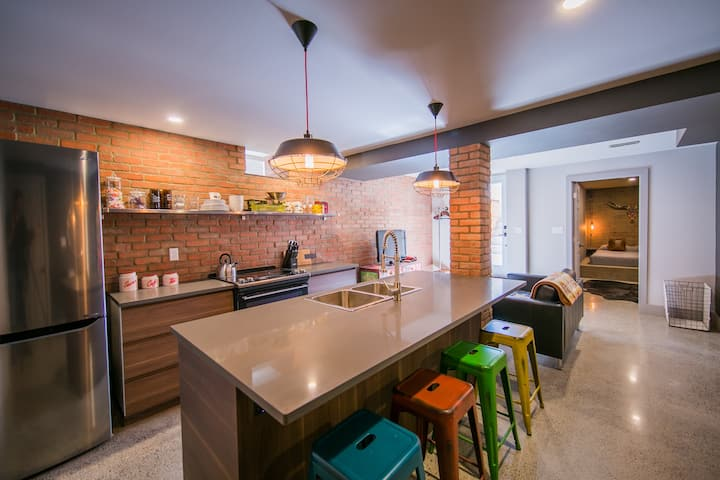Stylish one bedroom in the Junction Triangle
