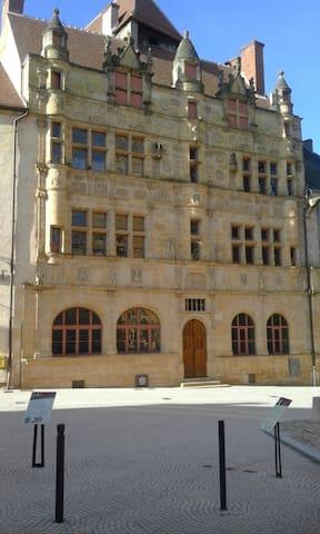 T1 meublé  proximité centre Paray-le-Monial