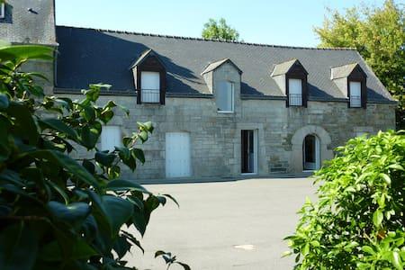 Longère bretonne au calme - Neulliac