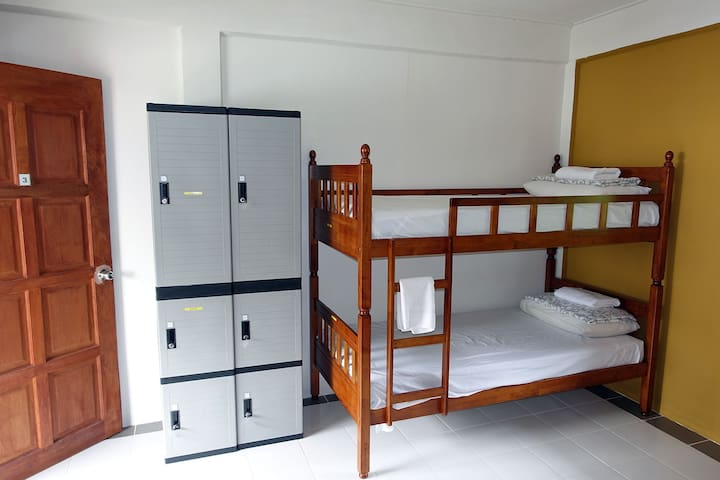 Air-Conditioned Dormitory on Tioman - 1 person