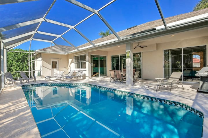 7 Min Walk to S Beach and Dining, Pvt Heated Pool*