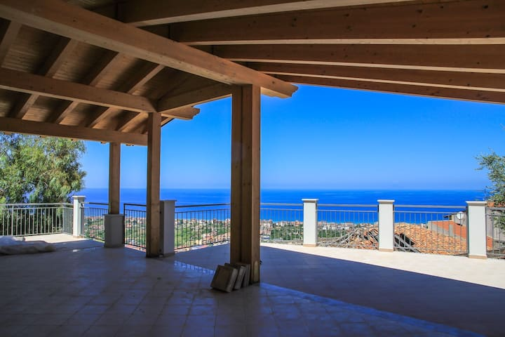 Rosa Apartments #1 - Cozy flat with wonderful view - Capo d'Orlando - Apartemen