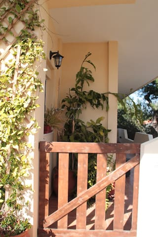 Sunny,wonderful apartment 5 min walk from the sea! - Porto Rafti - Apartment