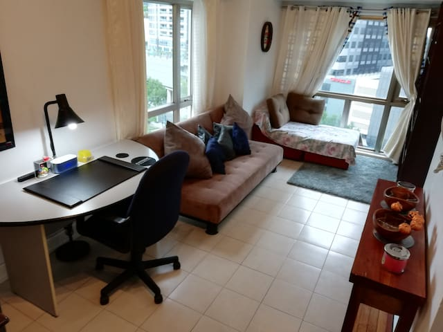 Excellent Location, Service & Stay -BGC Forbestown