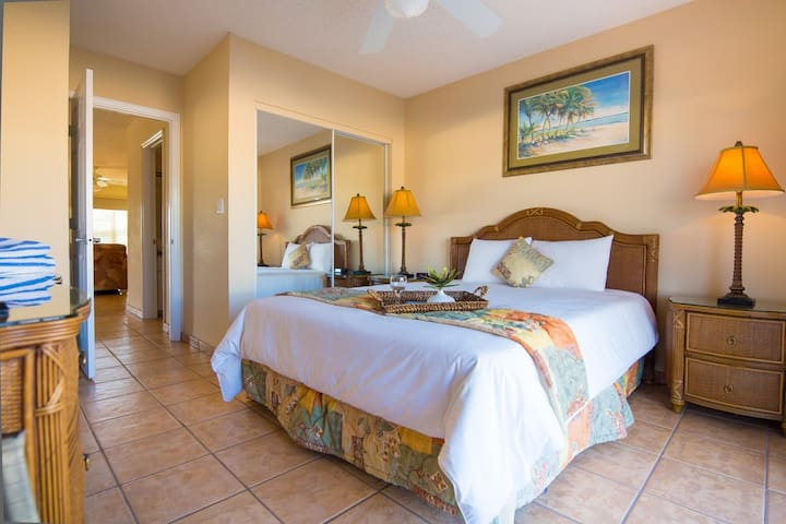 Awesome 1BR Villa at Great Oceanfront Resort