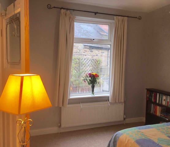 Spacious double bedroom, Sheffield