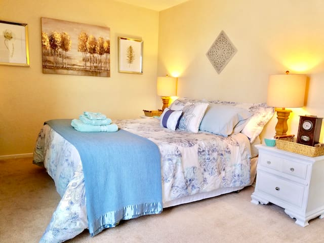 Simple Ceres Luxuries - Private Room - Queen Bed
