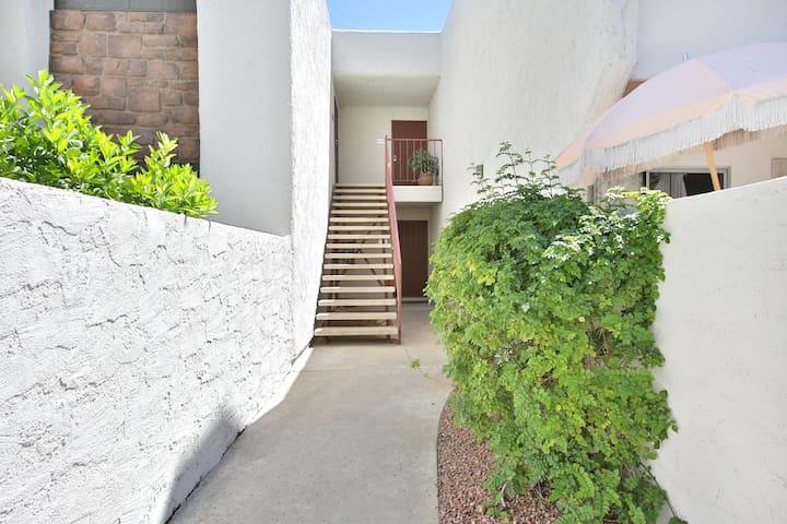 A private cozy studio in the heart of Scottsdale