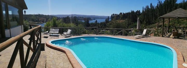 Casa con hermosa vista al lago