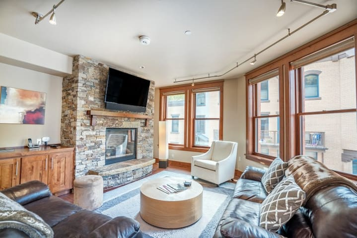 Sophisticated Condo with Plush Furnishings Located in the Heart of Telluride Just Steps to Main Street
