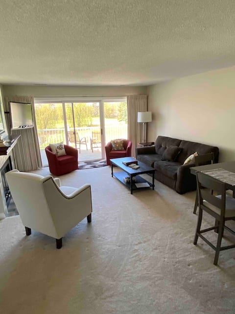 Ultra-Clean 2 Bed/2 Bath Condo on 'Golden Pond'