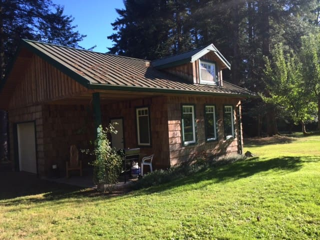 Nana's Cottage - Courtenay - Guesthouse