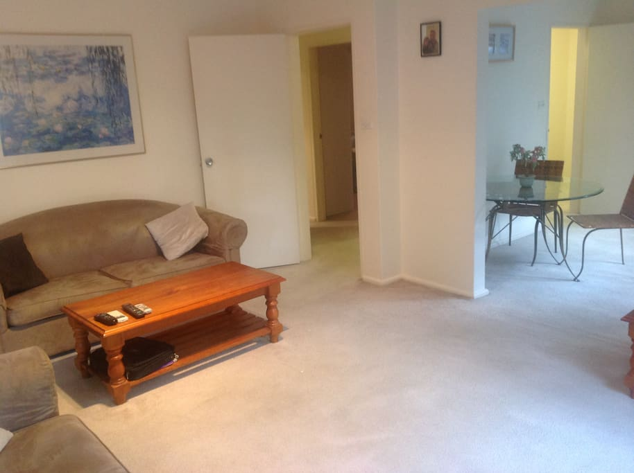 Large living and dining area. Fold out double bed within lounge