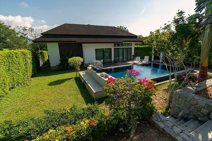 Cozy Tanode Villa