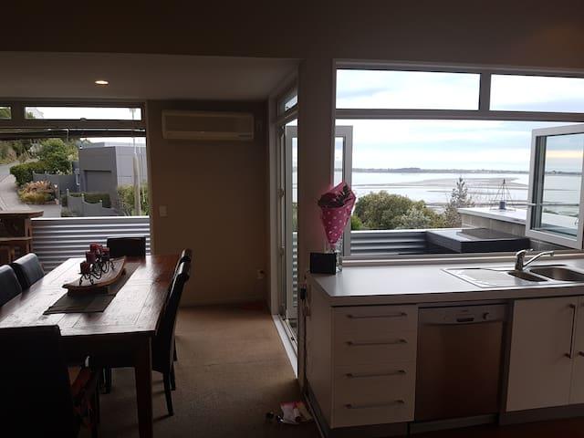 Fabulous Views on Mount Pleasant - Christchurch - Ev