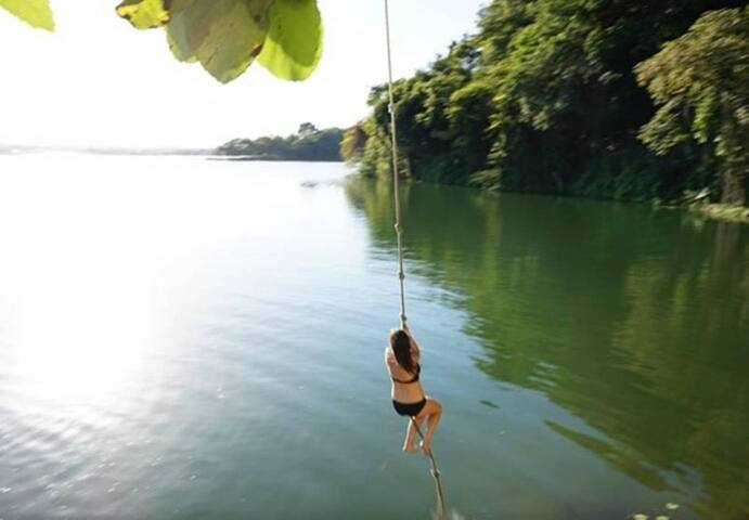 Guest Having Fun at the Local Ropeswing