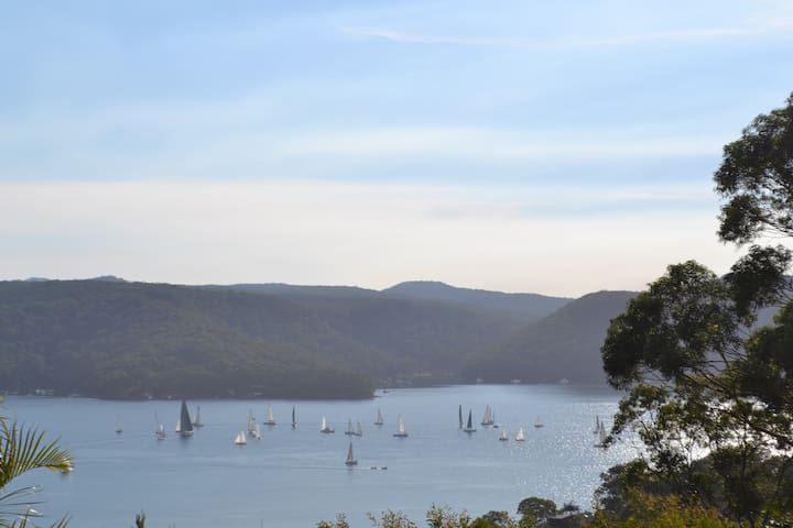 Pittwater Haven with sweeping water views - Bilgola Beach - Haus