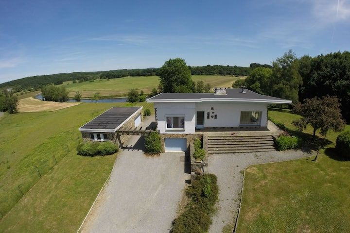 Spacious Villa with Jacuzzi and Sauna in Ardennes
