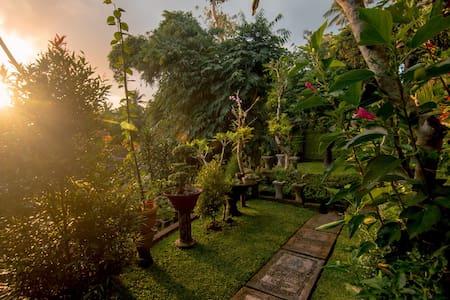 Ubud Wins Bungalow, Balinese Genuine Service