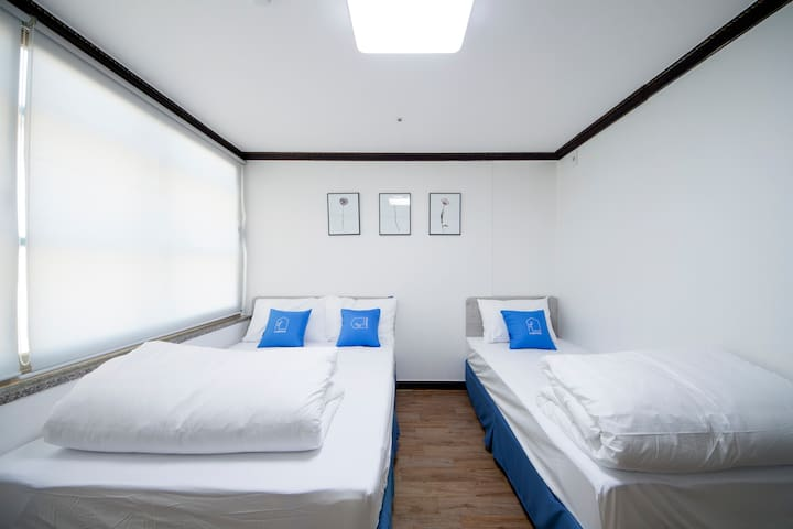 K-Grand Hostel Dongdaemun #Standard Triple Room01 - Seongdong-gu - Hostel