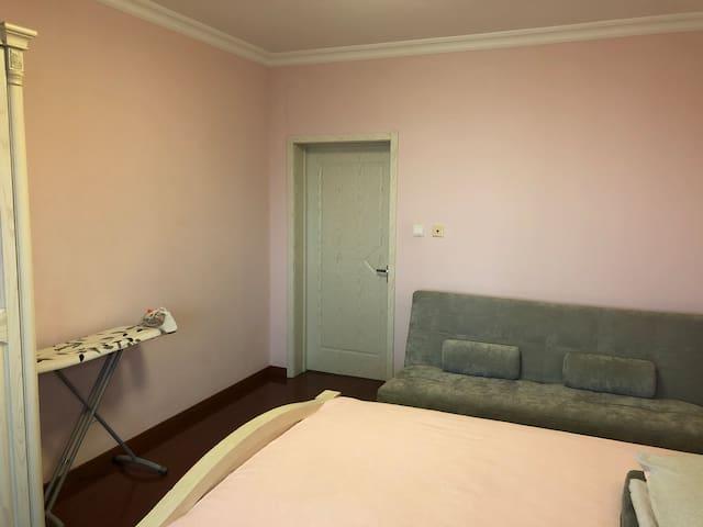 折叠式沙发床/熨斗及熨衣板