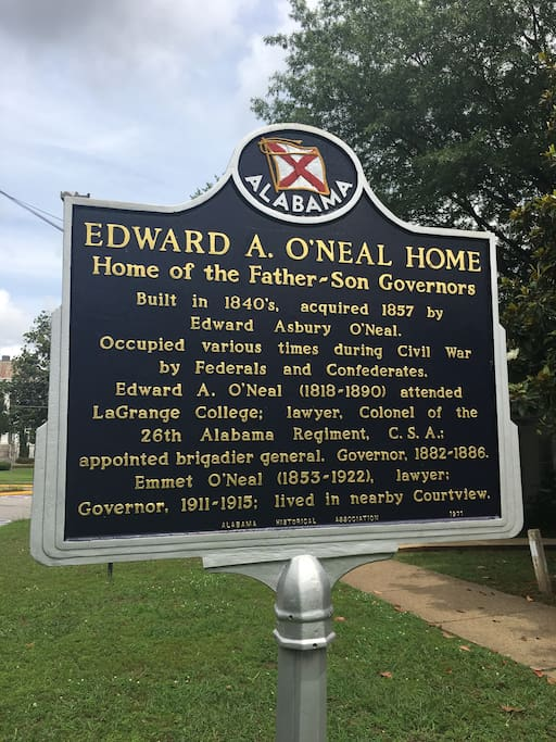 "Historical sign of the O'Neal ownership.  The house has been named the ""Governors House"" due to both the father and son serving as Governors."