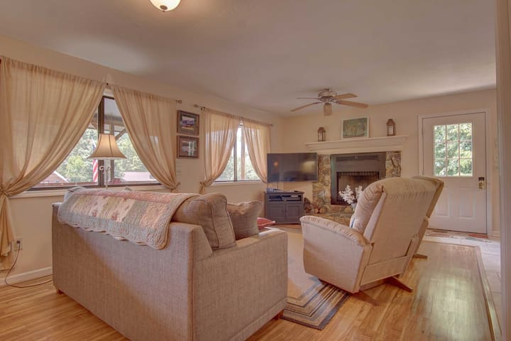 The cabin has 2 bedrooms and 1 baths - perfect for groups of 6!