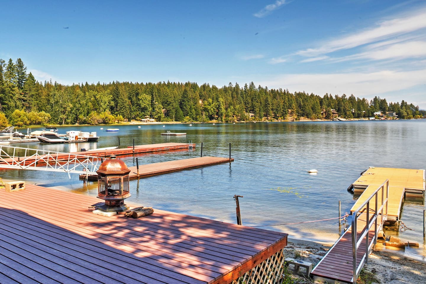Find your own personal oasis in this beautiful lakefront Newport cabin.