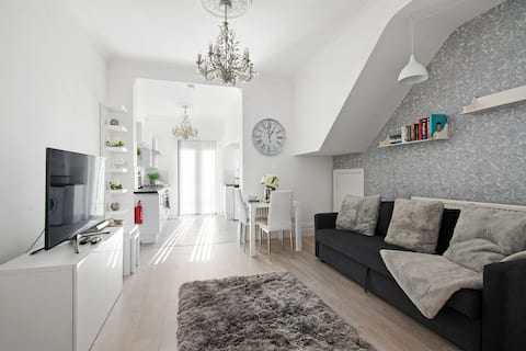 Stylish Apartment 16 minutes from Stratford