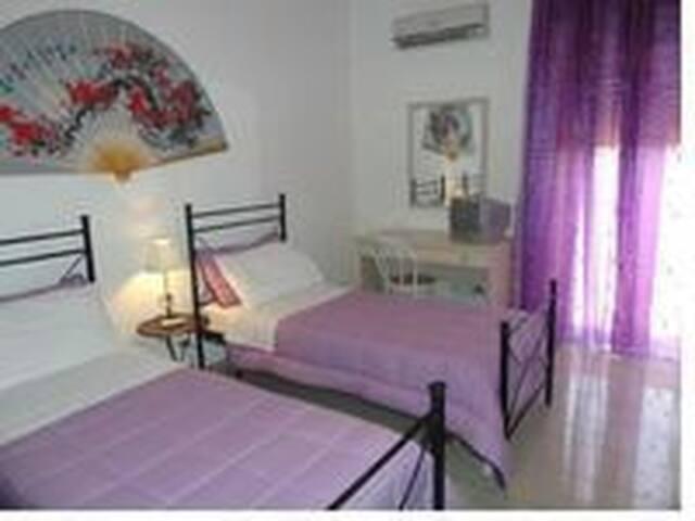 CAMERE triple  bagno tv a. condiz. - Reggio Calabria - Bed & Breakfast