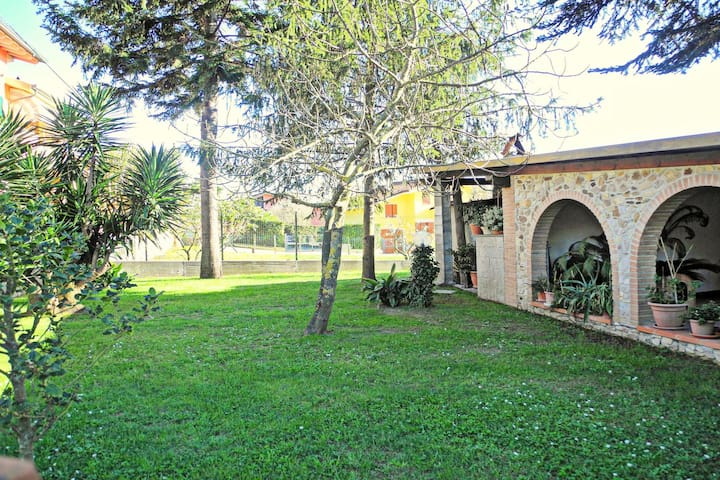 With a private garden, a few km from the beaches of Versilia, Tuscany coast