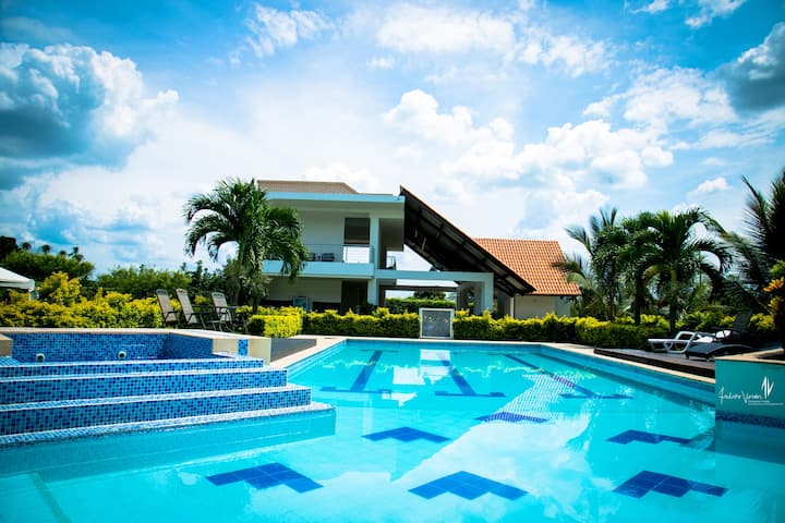 Hacienda Palmeras Rozo (Finca) Lodging & Events