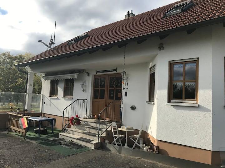 Unterkunft in Schweinfurt - Stadtteil Hainig