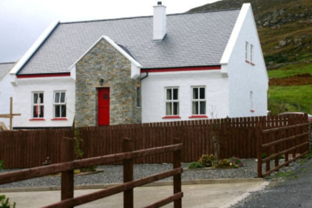 Rose 39 s cottage found on the wild atlantic way houses for for Bungalow house plans ireland