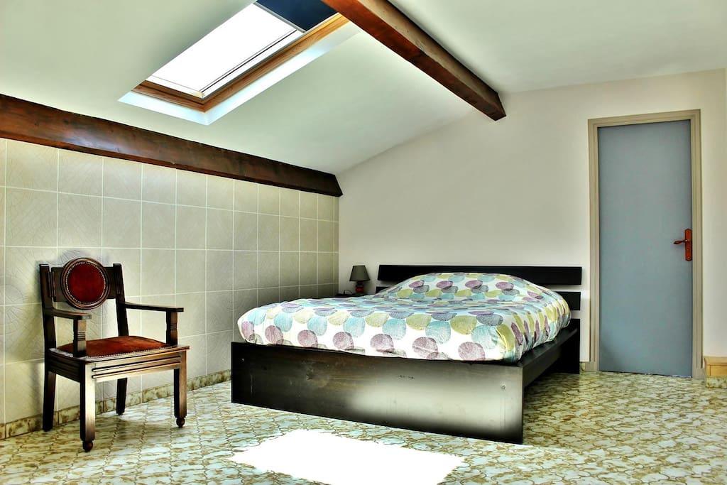 chambre 1 : lumineuse et confortable...