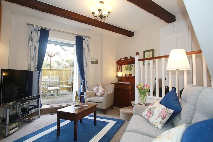 The Coach House suitable for up to 4 guests